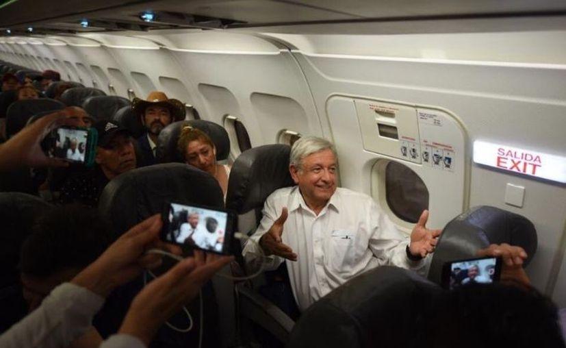 Andrés Manuel López Obrador llega a Mérida para una gira por la Península.  (Imagen ilustrativa tomada de internet)