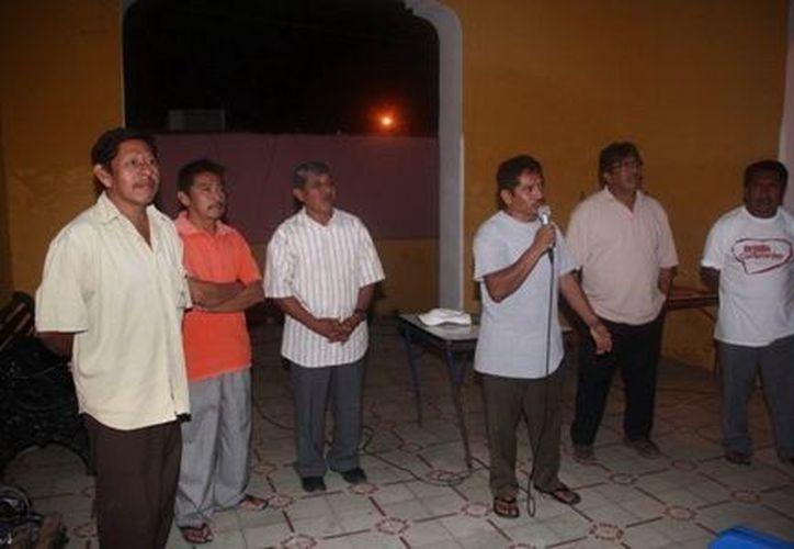 Usuarios del Agua Potable de Kimbilá realizaron una asamblea para elegir a los integrantes del Comité respectivo. (SIPSE)