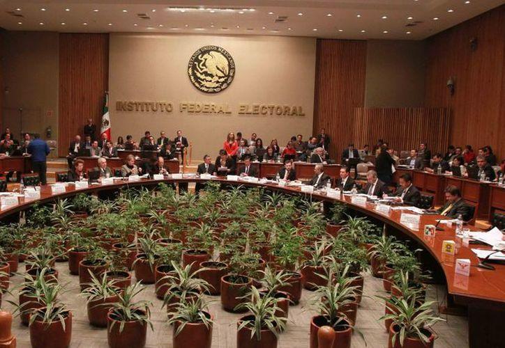 En sesiones posteriores está previsto el desahogo de las quejas contra las otras coaliciones y partidos. (Archivo/Notimex)