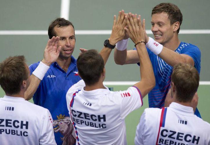 Los checos esperan al ganador entre Serbia y Canadá. (Foto: Agencias)