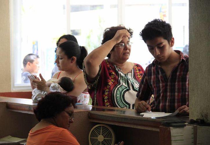 El acta certificada tiene un valor de 98 pesos. (Harold Alcocer/SIPSE)