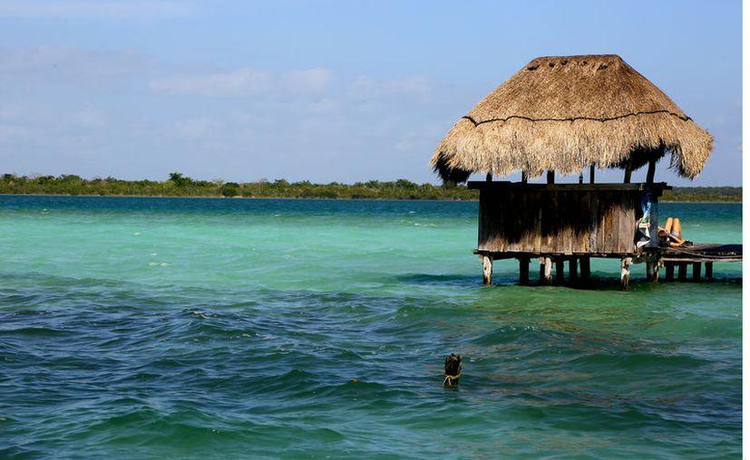 Bacalar, el Pueblo Mágico de Quintana Roo atrae a los viajeros con sus alojamientos que maridan lo rústico con lo eco-chic. (Foto: Reforma).