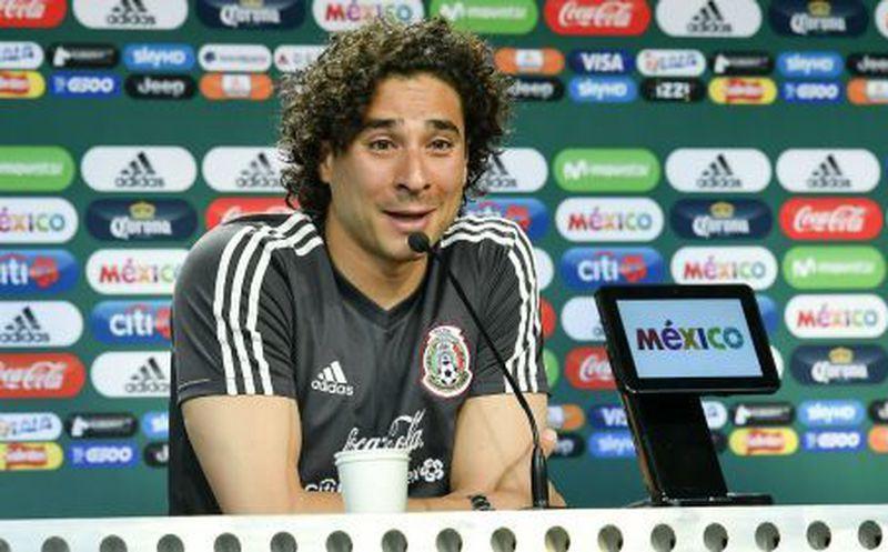 Así luce Memo Ochoa con su nuevo look