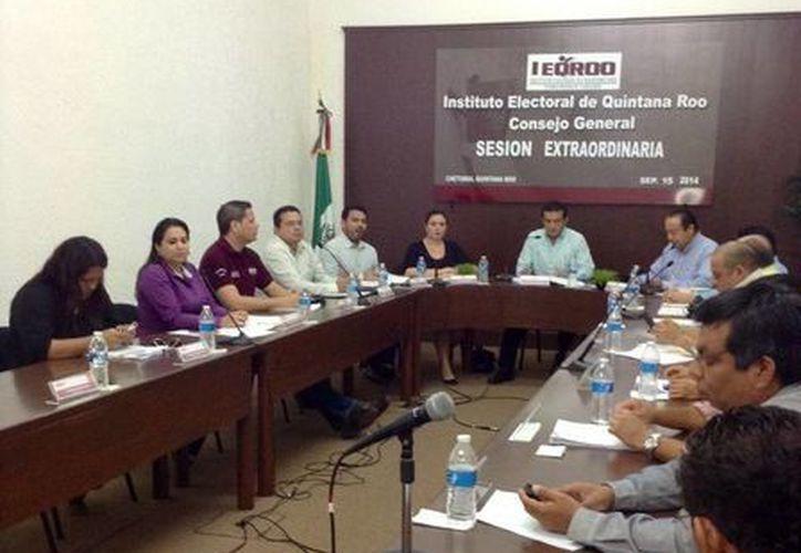 En la sesión extraordinaria la diputada panista, Mayuli Martínez dijo que la queja continúa vigente, en estudio y desahogo de pruebas. (Harold Alcocer/SIPSE)