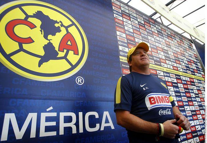Herrera dio a conocer en su cuenta de twitter la ratificación al frente del América. (Foto: Agencia Reforma)