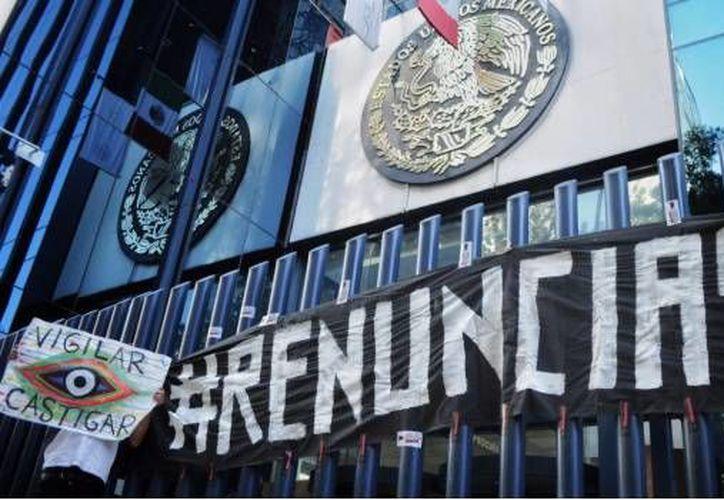 La organización Mexicanos Contra la Corrupción y la Impunidad (MCCI) denunció  que la PGR adquirió el software Pegasus a través de  prestanombres. (Cuartoscuro).