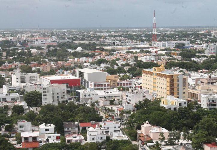La renta de una casa en el centro de la ciudad se encuentra desde los dos mil a los tres mil pesos. (Luis Soto/SIPSE)