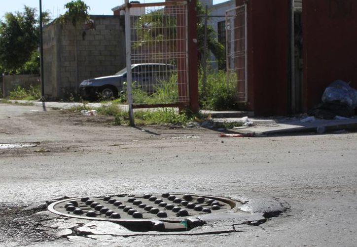 En el condominio horizontal Durazno habitan 20 familias, pero son cuatro las más afectadas por estar a la entrada del lugar. (Ángel Castilla/SIPSE)