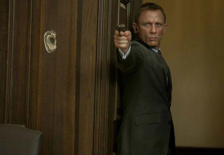 Que sí, que no: Daniel Craig quiere volver a ser James Bond... a cambio de 150 millones de dólares. (Foto tomada de excelsior.com)