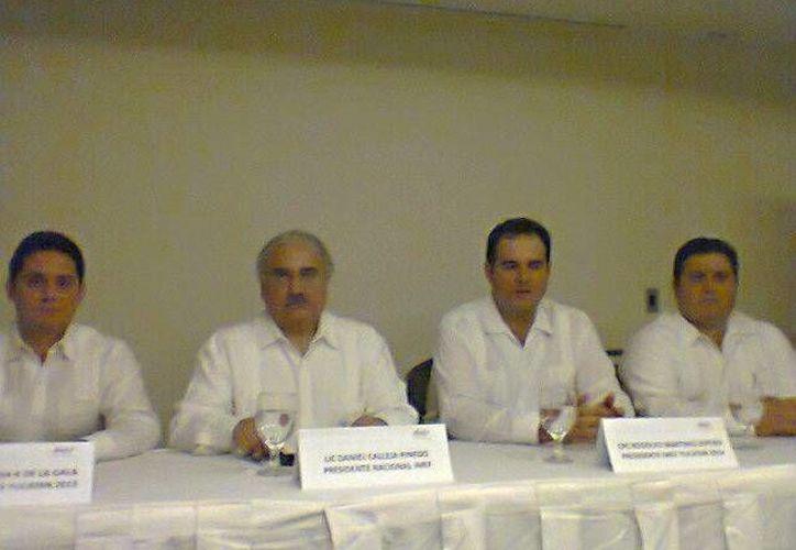 Directivos del Instituto Mexicano de Ejecutivos de Finanzas. (Milenio Novedades)
