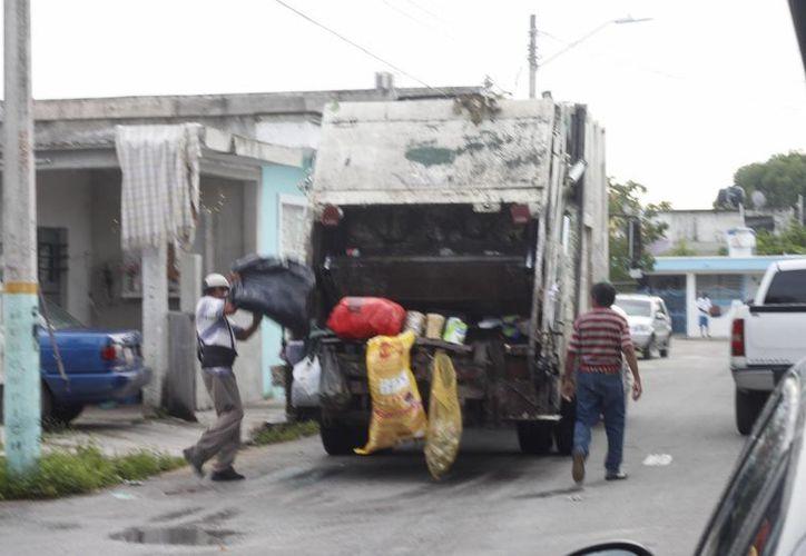 Por parte de los servicios públicos, derivan la demanda en pavimentación y atención de calles, así como la recolección de basura. (Paloma Wong/SIPSE)