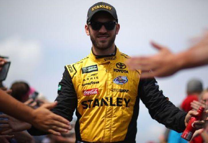 Superó a Martin Truex Jr, ganador eventual de la carrera, por el triunfo de etapa. (ESPN)