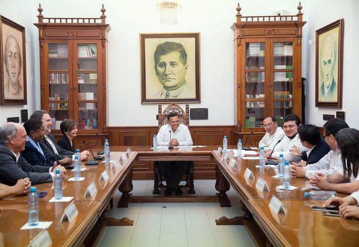 El Gobernador se reunió con académicos de Tamus y del Estado. (Milenio Novedades)