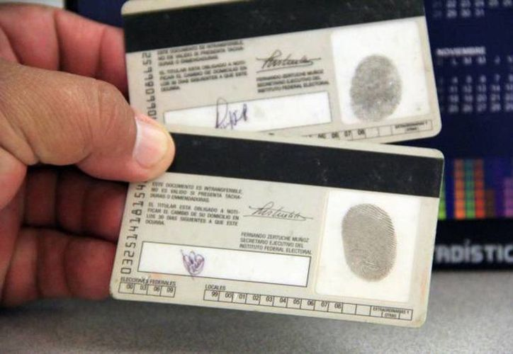Las credenciales de elector marcadas con el recuadro 09 y 12 perderán próximamente su vigencia. (Archivo SIPSE)
