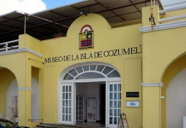El recital se llevo a cabo en el Museo de la Isla, en Cozumel. (Redacción/SIPSE)