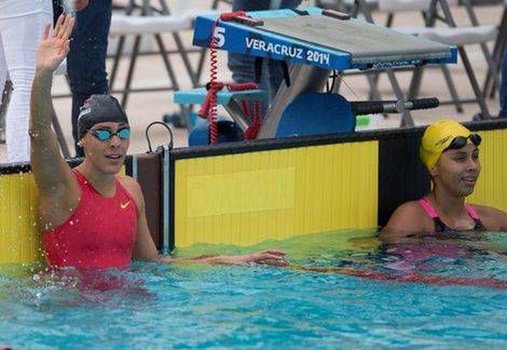 La nadadora mexicana María Fernanda González ganó medalla de oro y rompió un récord en dorso en los Juegos Centroamericanos y del Caribe en Veracruz. (mexsport.com)