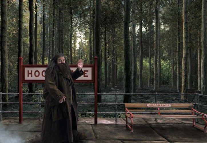 Criaturas y personajes de la historia de Harry Potter, como Hagrid, recibirán a los paseantes en la nueva sección del parque temático de Orlando. (Agencias)
