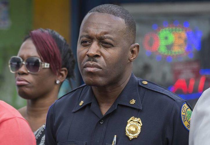 Delrish Moss ha vivido muy de cerca, durante su infancia, disturbios por abusos de policías blancos contra personas afroamericanas. (AP)