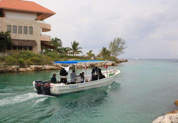Se ubican dentro de la Marina de Puerto Aventuras, la parte inmobiliaria y hotelera de alta plusvalía. (Adrián Barreto/ SIPSE)