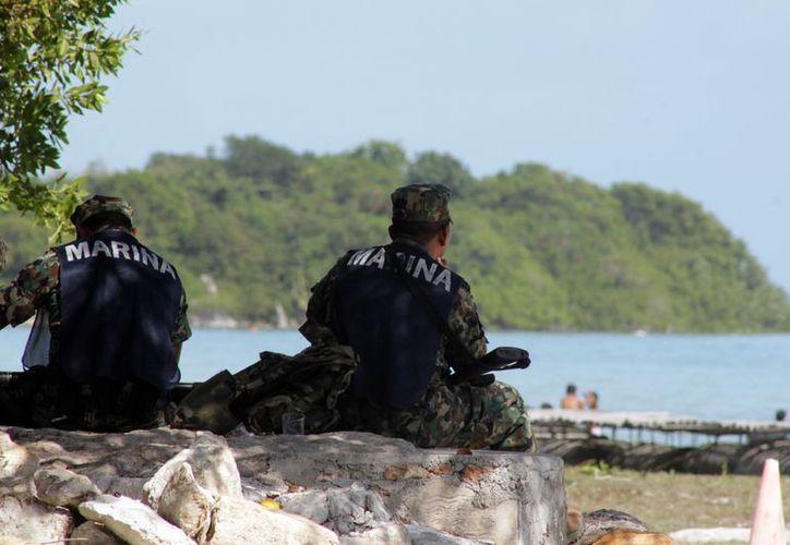 Fuerzas armadas resguardan las costas de Quintana Roo. (Francisco Sansores/SIPSE)