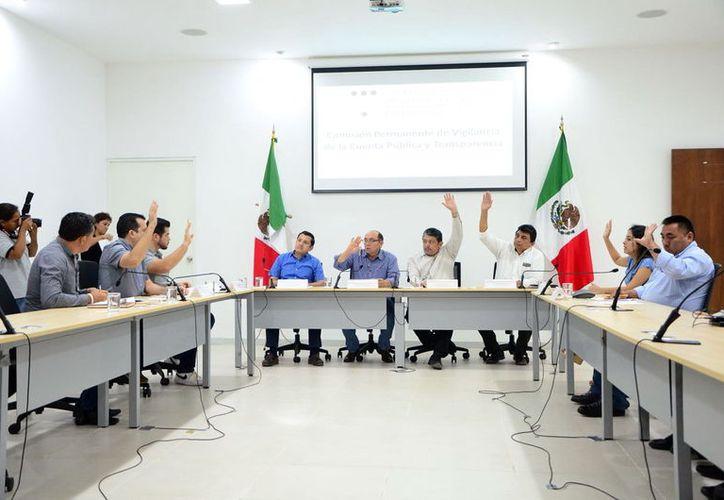 """Siete alcaldes en Yucatán con calificación """"negativa"""" por desvio de dinero. (Milenio Novedades)"""