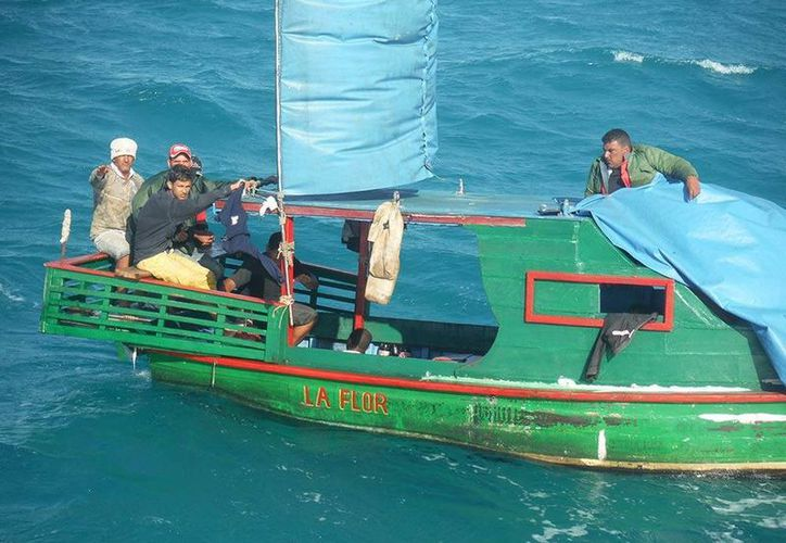 El rescate de los cubanos se realizó a 7.4 kilómetros al norte del puerto de El Cuyo, en Yucatán. (Semar)