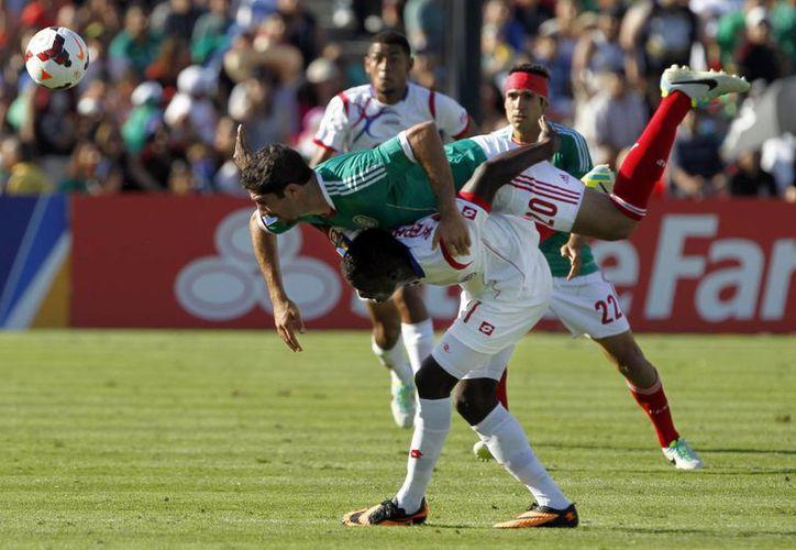 El 'Tri' comenzó con el 'pie izquierdo' su participación en la Copa Oro al caer ante Panamá. (Agencias)