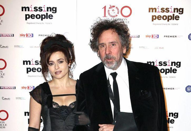 Helena Bonham Carter y Tim Burton en la entrega 33 de los London Critics Circle Film Awards en Londres, en enero del año pasado. (Foto:AP)