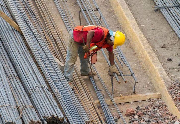 Uno de los sectores que más se beneficia con el impulso a la vivienda es, sin duda, el de la construcción, uno de los que más mueve la economía. La imagen es únicamente de contexto. (Archivo/NTX)