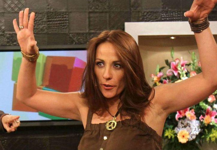 Consuelo Duval reveló en TV Azteca todos los problemas que padeció en Televisa, entre ellos el bullying. (azteca.com)