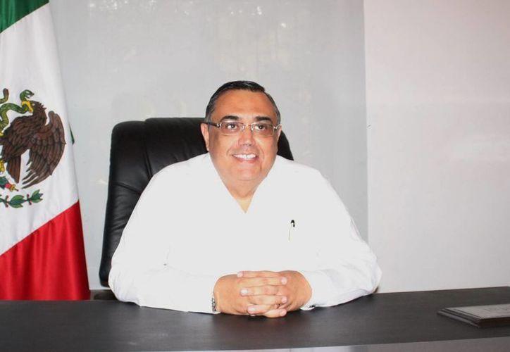 El director de Aeropuertos del Sureste (Asur), Héctor Navarrete Muñoz. (SIPSE)