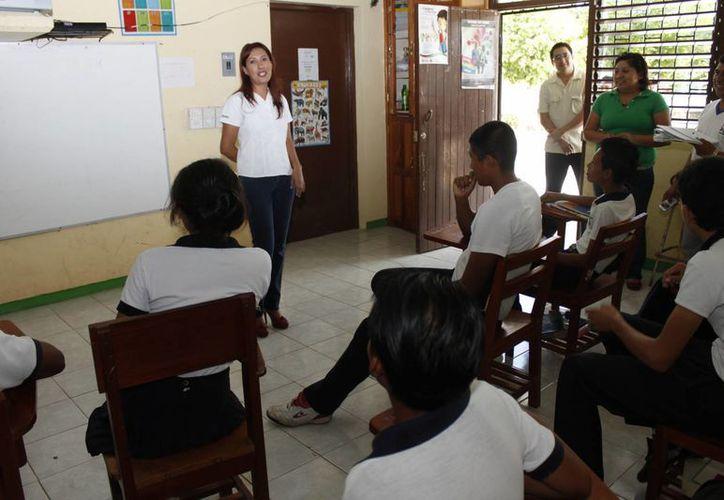 Se reubicarán a 20 maestros de 17 comunidades rurales. (Redacción/SIPSE)