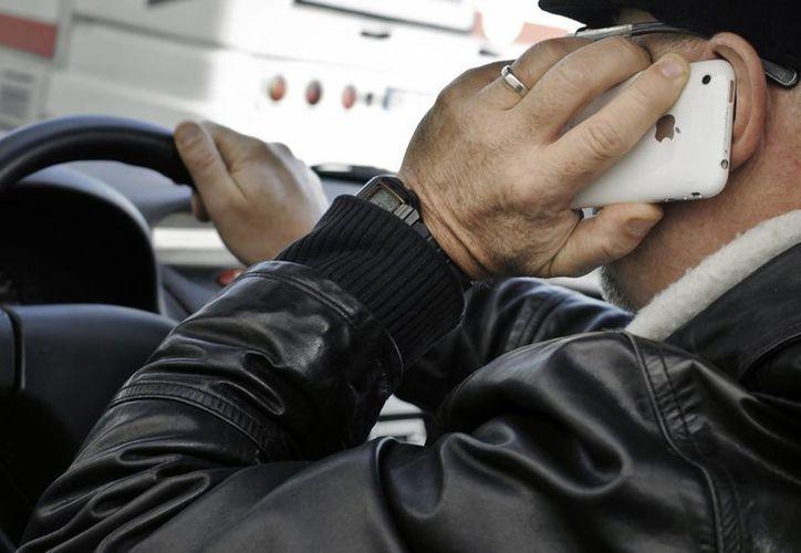 Los encuestados también piensan que la mala cultura vial provoca accidentes. (lasprovincias.es)