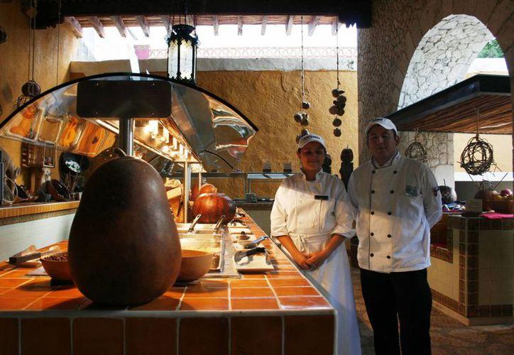 Los nuevos precios van a encarecer los productos que usan los restaurantes. (Loana Segovia/SIPSE)