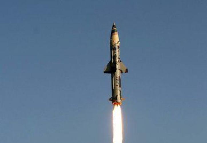 Un misil sirio causó lesiones a una señora al caer en Turquía. En la foto, un cohete nuclear indio. (EFE/Foto de contexto)