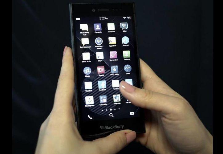 El nuevo BlackBerry Leap el martes fue presentado este martes. (Reuters)