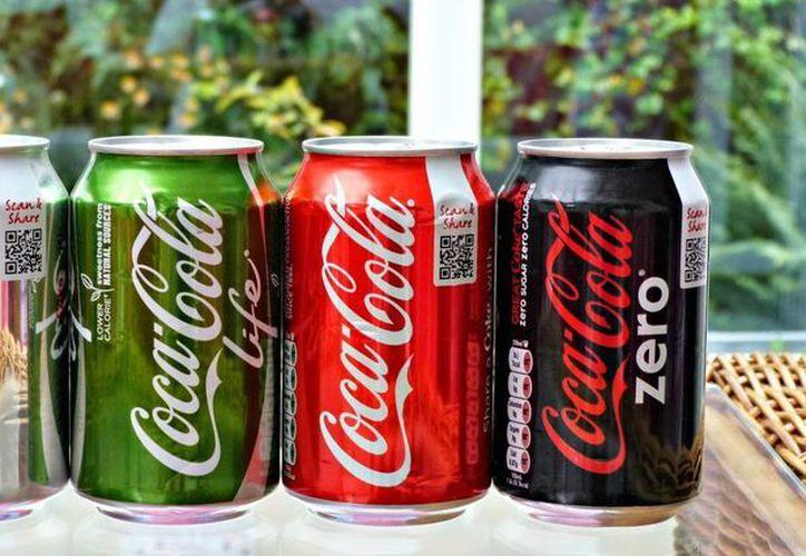 Coke, Diet Coke, Coke Zero y Coke Life se unificarían en una sola imagen. (thejournal.ie)