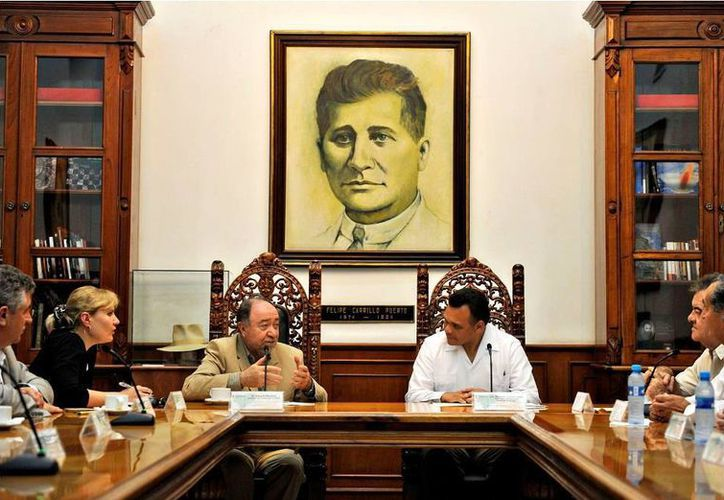 El gobernador Rolando Zapata se reunió ayer con personal diplomático de Rusia. (Cortesía)