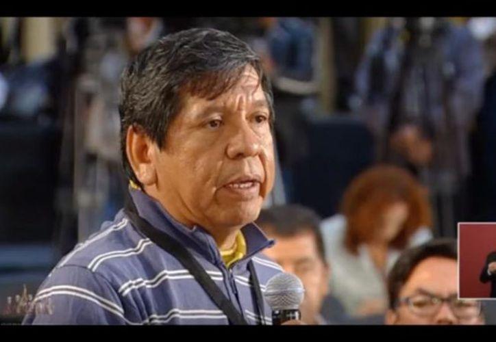 Héctor Valdez Hernández, periodista de Tulum, durante su participación en la conferencia de prensa matutina de Andrés Manuel López Obrador. (Impresión de pantalla/YouTube)