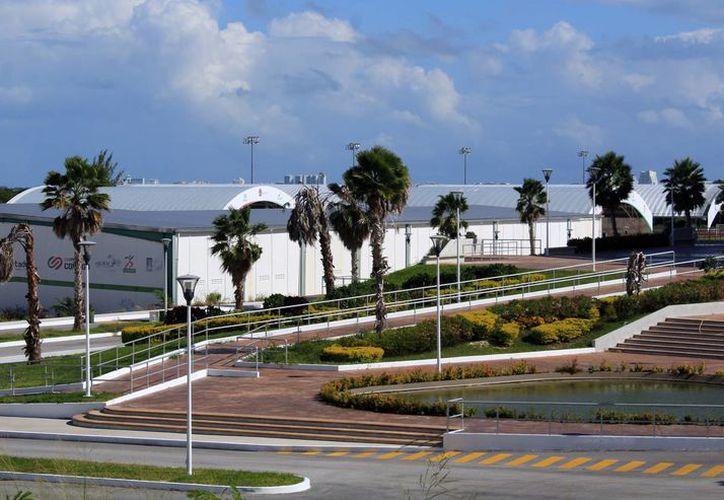 El Cedar cuenta con pista de tartán para atletismo, canchas de tenis, fútbol, box y tiro deportivo. (Luis Soto/SIPSE)