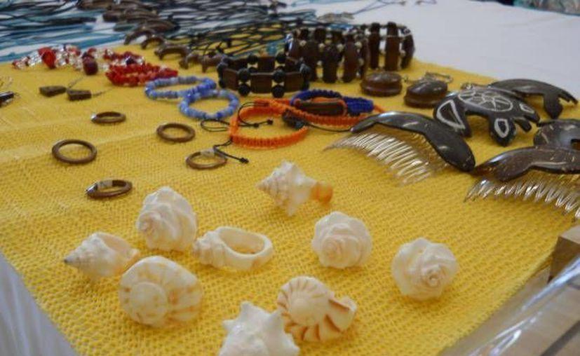 """Un locatario del mercado de artesanía """"Ki-Huic"""" recuerda con tristeza que la """"época de gloria"""" llegó a su fin hace 20 años. (Archivo/SIPSE)"""