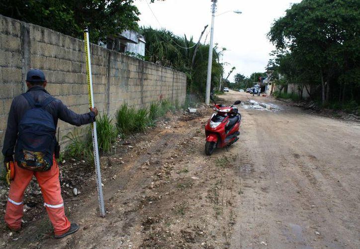 Las obras de pavimentación en la colonia Ejidal Sur de Playa del Carmen ya iniciaron. (Octavio Martínez/SIPSE)