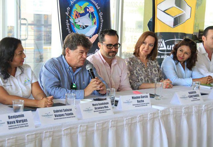 Dirigentes de iniciativas anunciaron la quinta edición del Festival de los Océanos.  (Luis Soto/SIPSE)