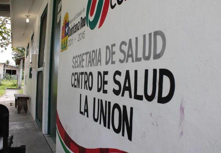 La única doctora de la comunidad atiende las citas de lunes a viernes en el Centro de Salud. (Edgardo Rodríguez/SIPSE)