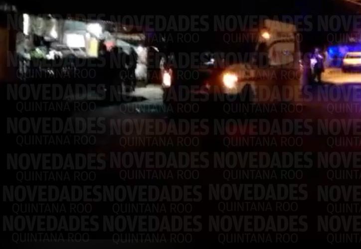 Las autoridades Municipales y Ministeriales acordonaron la zona para realizar las investigaciones correspondientes. (Foto: R. Cruz/SIPSE)