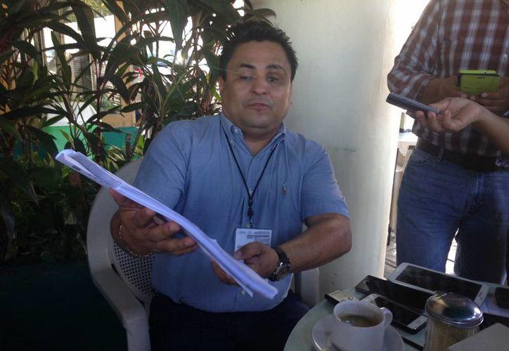El vocero de los extrabajadores de ASUR desconoce cuánto les van a dar. (Tomás Álvarez/SIPSE)