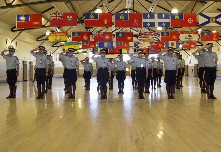 Cadetes de la Policía Montada de Canadá, en la academia conocida como Depot. (EFE)