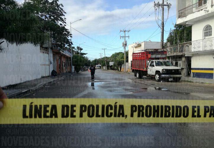 El hombre fue asesinado en la colonia El Ejido, en Playa del Carmen. (Foto: Daniel Pacheco)