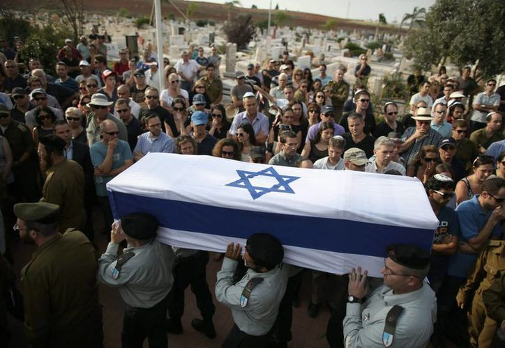 Benjamin Netanyahu dio sus condolencias a las familias de los soldados israelíes muertos en Gaza, pero afirmó que la ofensiva continuará. (EFE)