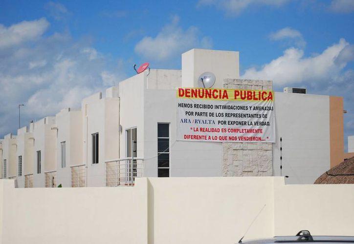 Muchos fraccionamientos en Cancún no están municipalizados, por tal motivo no cuentan con varios de los servicios que presta el Ayuntamiento. (Tomás Álvarez/SIPSE)